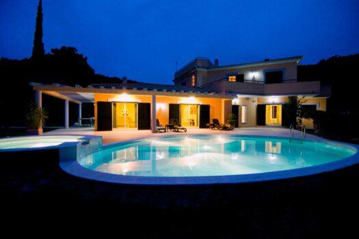 5 Bedrooms Villa | Big Plot | Vilamoura (Max 10 pax)