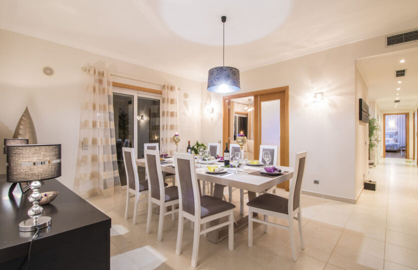 5 Bedrooms Villa with Great Pool and Spa Quinta do Mar (Max 10 pax)