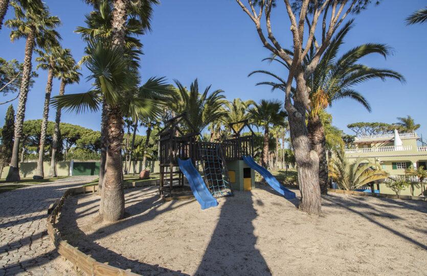 6 Bedrooms Villa with Beautiful Garden Vilamoura (Max 14 pax)