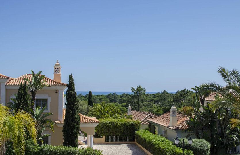 5 Bedrooms Super Quiet Villa Quinta do Mar (Max 14 pax)